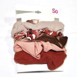 So 5 pack of Scrunchies NWT